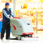 čištění podlah v administrativních budovách