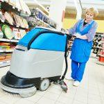 čištění podlahy v obchodech
